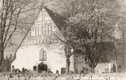 Pyhän Mikaelin kirkko. (Kuva Peter Heleniuksen kokoelmasta.)